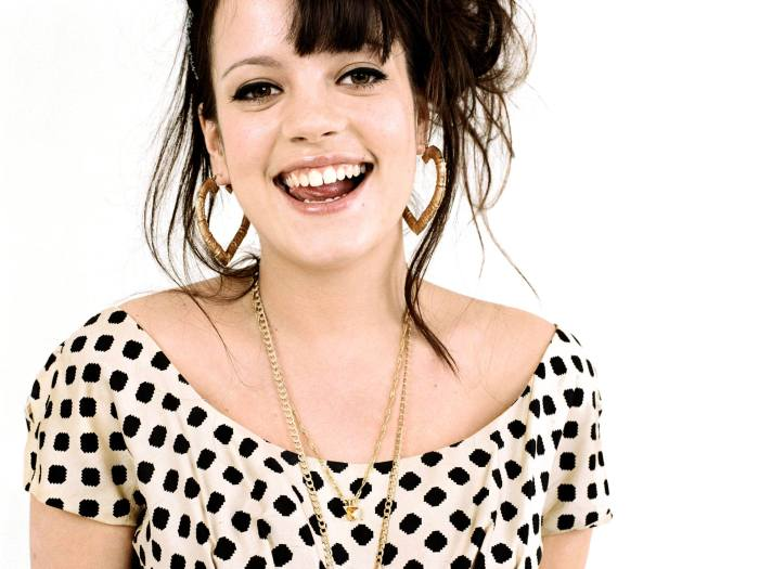lily-allen-smile