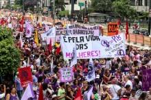 Dia Internacionl da Mulher. Ato/passeata da Av. Pauista até a Pç. Roosevelt. São Paulo, 08 de março de 2015. Foto: Roberto Parizotti.